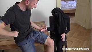 Skimpy muslim niqab woman